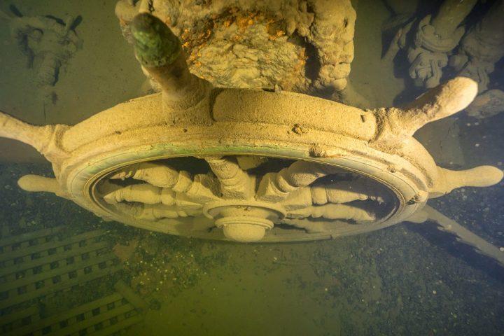 Use this Saaremaa wreck